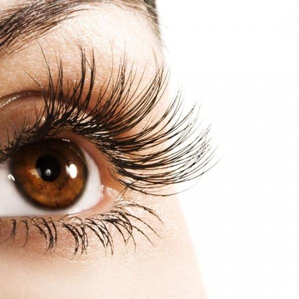 Wachstumsserum für Wimpern und Augenbrauen